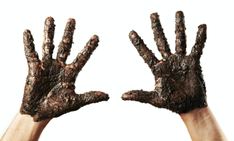 Muddy Hands.png
